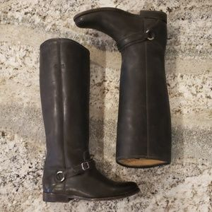 Frye Phillip Ring Stonewash Distressed Boots 9